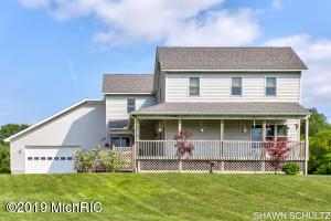 455 Pine Hills Lane, Benton Harbor, MI 49022