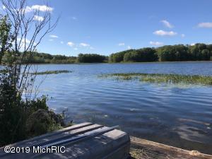 7035 Lake Side Drive, Barryton, MI 49305
