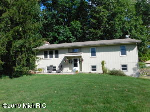 9330 S 34th Street, Scotts, MI 49088
