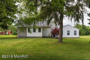 1195 16 Mile Road, Kent City, MI 49330