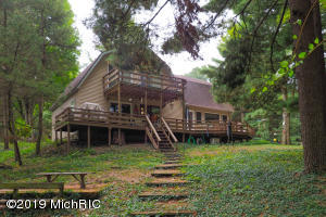 20691 Saunders Shores Drive, White Pigeon, MI 49099