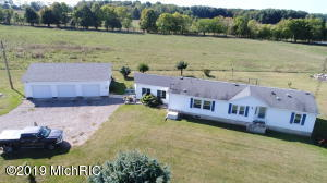 8367 W Card Road, Reading, MI 49274
