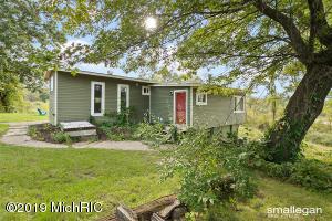 10191 Lincoln Lake Avenue NE, Greenville, MI 48838