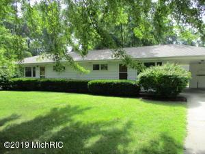 2040 W Marquette Woods Road, Stevensville, MI 49127