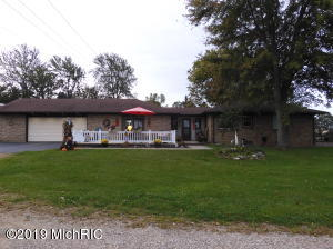 3510 Fruit Ridge Avenue NW, Walker, MI 49544