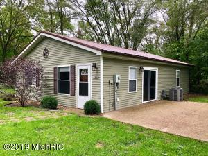 22420 North Angling Road, Centreville, MI 49032