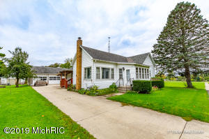 106 W Maple Street, Sand Lake, MI 49343