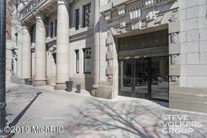 60 Monroe Center NW 11B-A, Grand Rapids, MI 49503