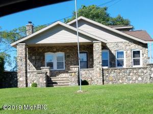 601 S Hilsdale Street, Homer, MI 49245