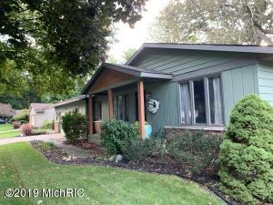 4701 Cranwood Avenue SW, Wyoming, MI 49509