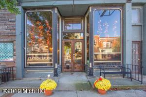 214 E Main Street, Lowell, MI 49331