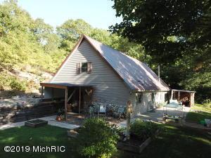 340 W 18 Road, Mesick, MI 49668