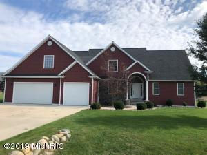 1263 Queens Way, Lake Isabella, MI 48893