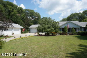 13611 W Brookwood, Gobles, MI 49055