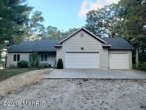 3801 S Sweet Lake Drive, Twin Lake, MI 49457