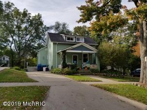 70 Grove Street, Coopersville, MI 49404