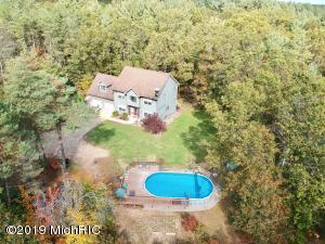 12099 Brown Ridge Drive NE, Cedar Springs, MI 49319