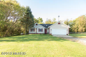 10619 N Clinton Trail, Sunfield, MI 48890