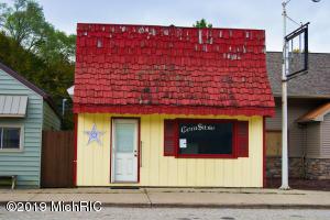 157 W Wheatland Avenue, Remus, MI 49340
