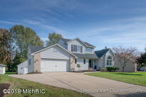 2076 Richview NW, Grand Rapids, MI 49534