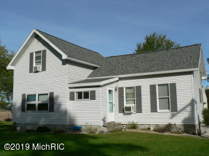 2075 18 Mile Road, Kent City, MI 49330