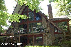 10561 W Garbow Road, Middleville, MI 49333