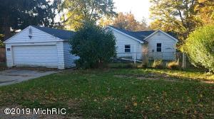 13896 Whitelawn Avenue, Fulton, MI 49052