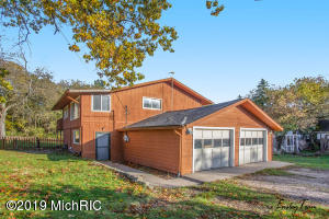 16800 Trufant Avenue NE, Sand Lake, MI 49343