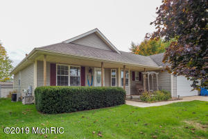 4864 Sweet Cherry Lane, Kalamazoo, MI 49004