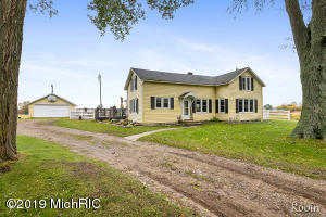 3315 15 Mile Road NW, Kent City, MI 49330