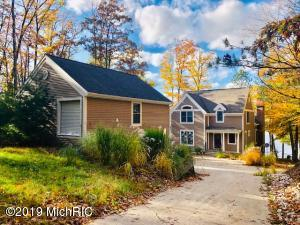 4879 N Benson Road, Fountain, MI 49410