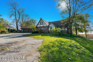 13952 Cascade Road SE, Lowell, MI 49331