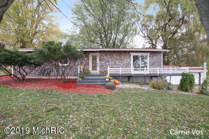 13766 Kenowa Avenue NW, Kent City, MI 49330