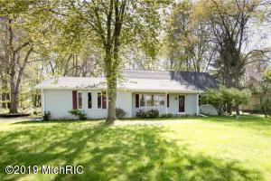 8086 N 37th Street, Richland, MI 49083