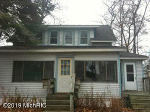 2180 Midlake Drive, Hickory Corners, MI 49060