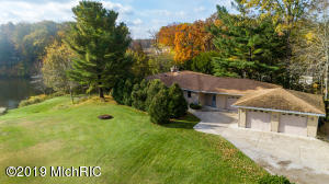 16236 Highland Drive, Spring Lake, MI 49456