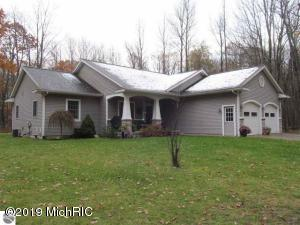 10591 W Kelly Road, Lake City, MI 49651