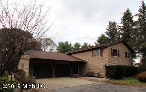 17295 McKinley Road, Big Rapids, MI 49307