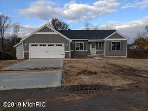 303 Taylor Place NW, Sparta, MI 49345