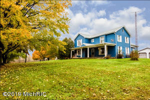 8637 Carmody Road, Watervliet, MI 49098