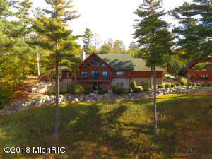 3815 Smith Road, Onekama, MI 49675