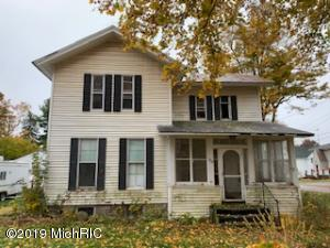 305 E Michigan Street, Reading, MI 49274