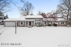 3031 Thorncrest Drive SE, Grand Rapids, MI 49546