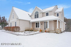 5590 Creekridge Drive, Middleville, MI 49333