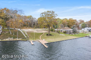 17840 West Spring Lake Road, Spring Lake, MI 49456