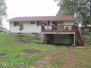 8903 E Gull Lake Drive, Hickory Corners, MI 49060