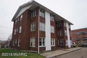 210 Old Orchard Place, Kalamazoo, MI 49007