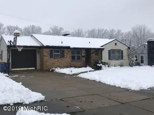 124 Boltwood Drive NE, Grand Rapids, MI 49505