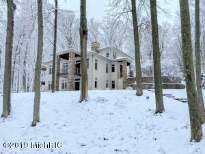 19798 Golfview Drive, Big Rapids, MI 49307