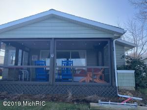60762 Shoreline Drive, Burr Oak, MI 49030